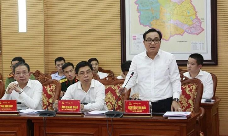 Bí thư Quận ủy Nam Từ Liêm Nguyễn Văn Hải phát biểu tại buổi làm việc. Ảnh: Viết Thành