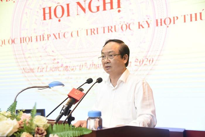 Phó Chủ tịch UBND TP Hà Nội Nguyễn Thế Hùng trả lời cử tri quận Nam Từ Liêm