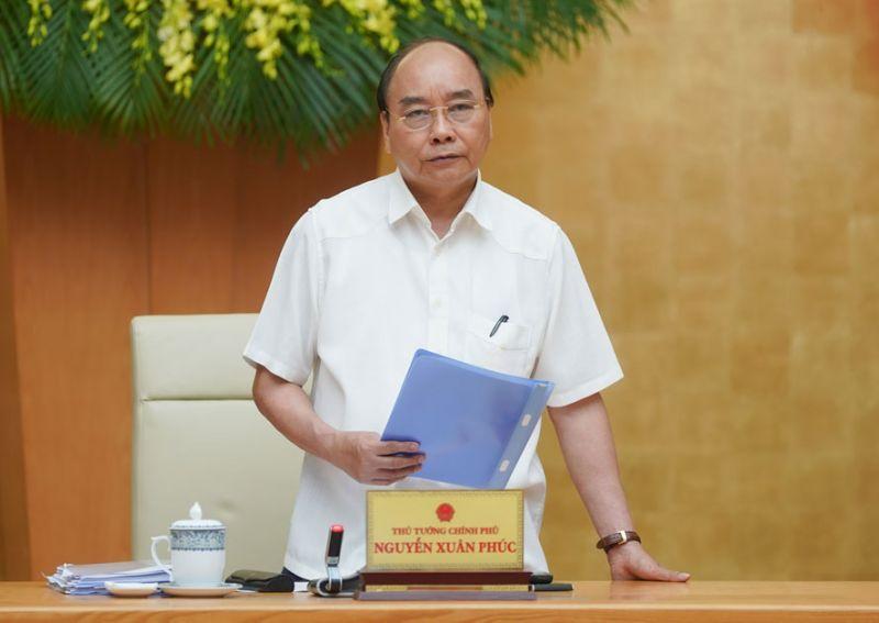 Thủ tướng Nguyễn Xuân Phúc chủ trì cuộc họp nghe Ban Chỉ đạo quốc gia báo cáo tình hình dịch Covid-19 và các biện pháp mới. Ảnh: VGP/Quang Hiếu