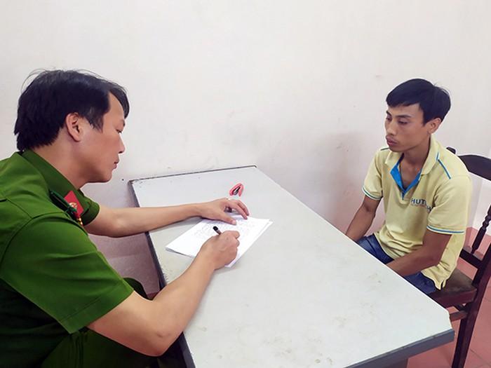 Cơ quan Công an ghi lời khai đối tượng Quảng
