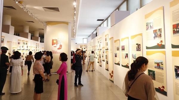 Bảo tàng Hồ Chí Minh trong ngày mở cửa trở lại