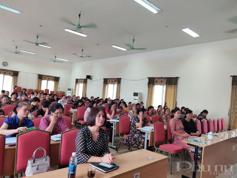 Các đại biểu tham gia khai mạc lớp tập huấn