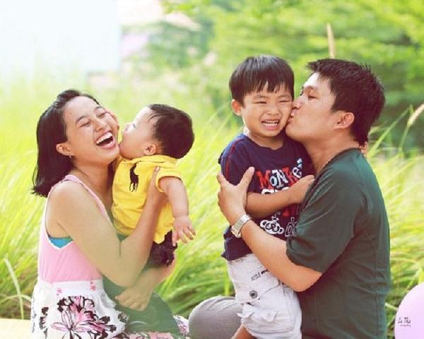 Mỗi cặp vợ chồng sinh đủ 2 con để đảm bảo mức sinh thay thế (Ảnh: minh họa)