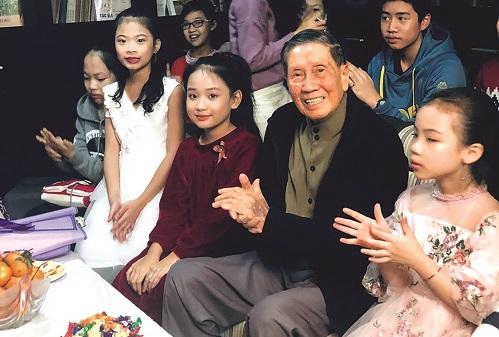 Nhạc sĩ Phạm Tuyên với thiếu nhi