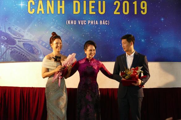 Nữ diễn viên và Nam diễn viên phim truyền hình xuất sắc được trao cho Hồng Diễm và Ngọc Quỳnh
