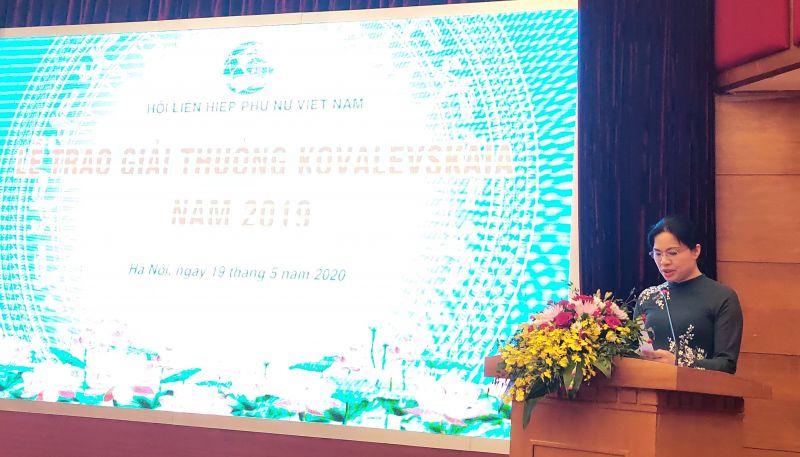 Đồng chí Hà Thị Nga- Chủ tịch Hội LHPN Việt Nam phát biểu tại buổi Lễ