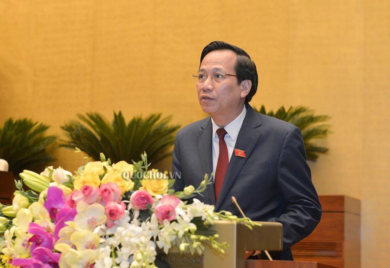 Bộ trưởng Bộ Lao động - Thương binh và Xã hội Đào Ngọc Dung báo cáo thuyết minh về việc gia nhập Công ước số 105 của ILO.