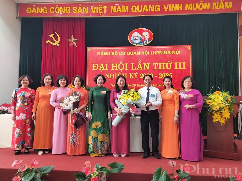 Ban Chấp hành Đảng ủy cơ quan Hội LHPN Hà Nội ra mắt đại hội