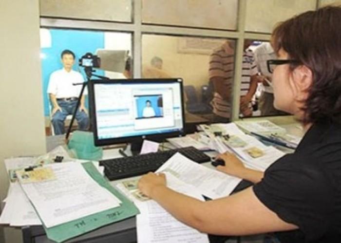 Hà Nội thí điểm cấp, đổi giấy phép lái xe trực tuyến. Ảnh minh họa