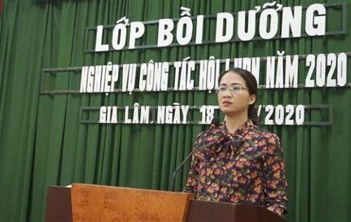 Đồng chí Nguyễn Thị Hương Trà- Chủ tịch Hội LHPN huyện Gia Lâm phát biểu khai mạc lớp bồi dưỡng nghiệp vụ công tác Hội năm 2020