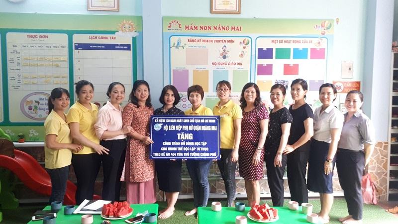 Hội LHPN quận trao công trình tại trường mầm non Nắng Mai