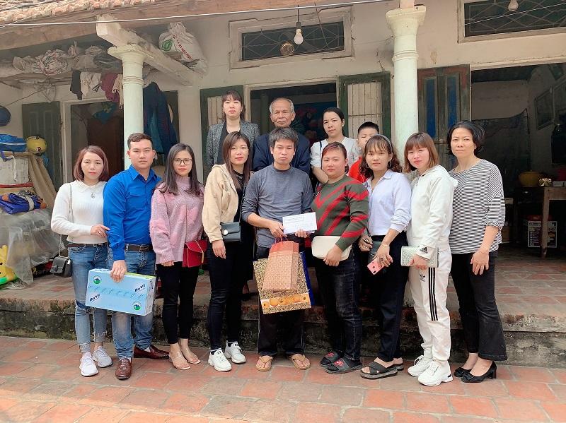 Ngoài công việc chuyên môn, Nguyễn Thu Trang còn tích cực tham gia cac hoạt động thiện nguyện.