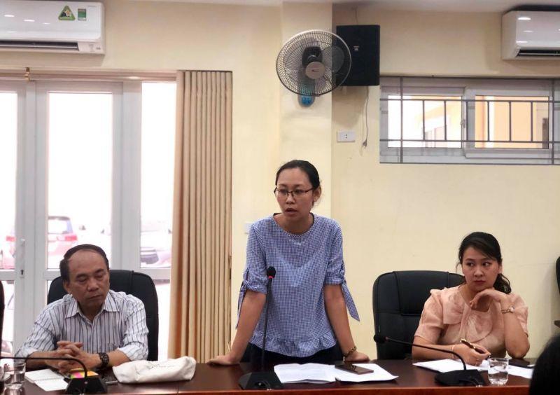 Chị Nguyễn Thị Hoài Thu, Chủ tịch Hội LHPN phường Quan Hoa phát biểu tham luận