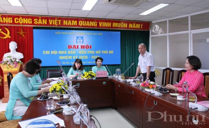 Nhà báo Kiều Thanh Hung - Phó Chủ tịch Hội NB Hà Nội phát biểu chỉ đạo tại đại hội.