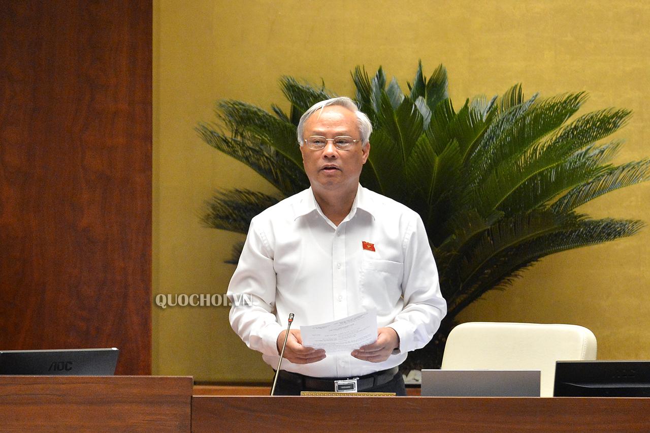 Phó Chủ tịch Quốc hội Uông Chu Lưu phát biểu kết luận phiên họp.