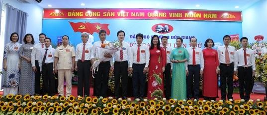 Ban Chấp hành Đảng bộ phường Đức Giang nghiệm kỳ 2020-2025  ra mắt đại hội