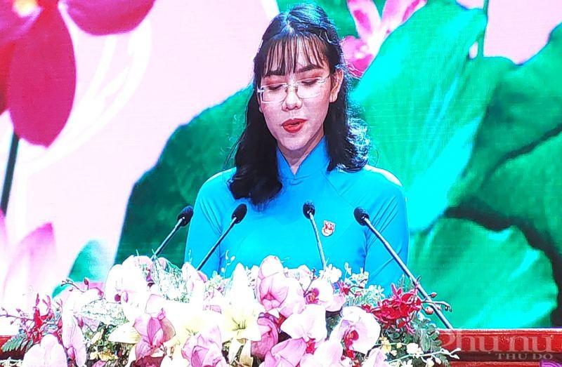 Huỳnh Mạnh Phương, sinh viên Đại học Quốc gia Thành phố Hồ Chí Minh phát biểu tại Lễ kỷ niệm 130 năm Ngày sinh Chủ tịch Hồ Chí Minh