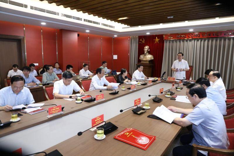 Bí thư Thành ủy Hà Nội Vương Đình Huệ chủ trì buổi làm việc với Ban Cán sự đảng Bộ Tài Nguyên và Môi trường.