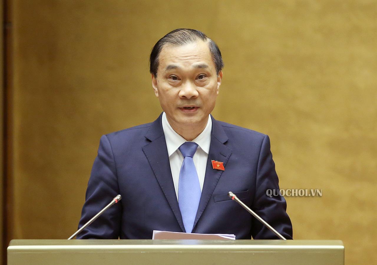 Chủ nhiệm Ủy ban Kinh tế Vũ Hồng Thanh báo cáo một số nội dung.