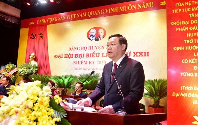 Đồng chí Vương Đình Huệ- Bí thư thành ủy Hà Nội phát biểu chỉ đạo đại hội