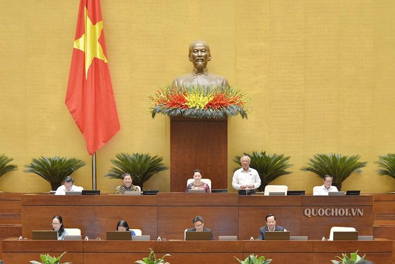 Phó Chủ tịch Quốc hội Uông Chu Lưu điều hành phiên họp Quốc hội sáng 27/5.