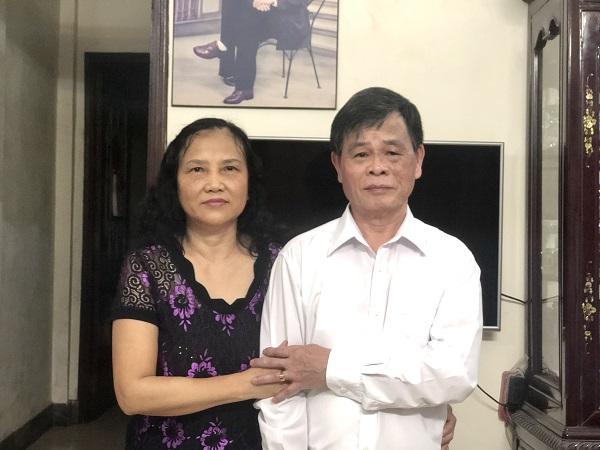 Vợ chồng  ông Trần Thanh Ca -  bà Trần Thị Hồng Hoan