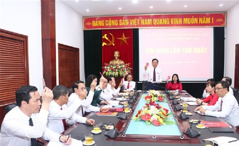Chiều ngày 26/5, Ban Chấp hành Đảng bộ huyện khóa XXII, nhiệm kỳ 2020- 2025 họp phiên thứ nhất