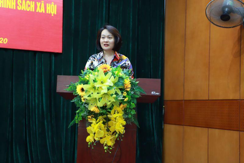 Đồng chí Phạm Thị Thanh Hương - Phó Chủ tịch Hội LHPN Hà Nội phát biểu chỉ đạo tại hội nghị