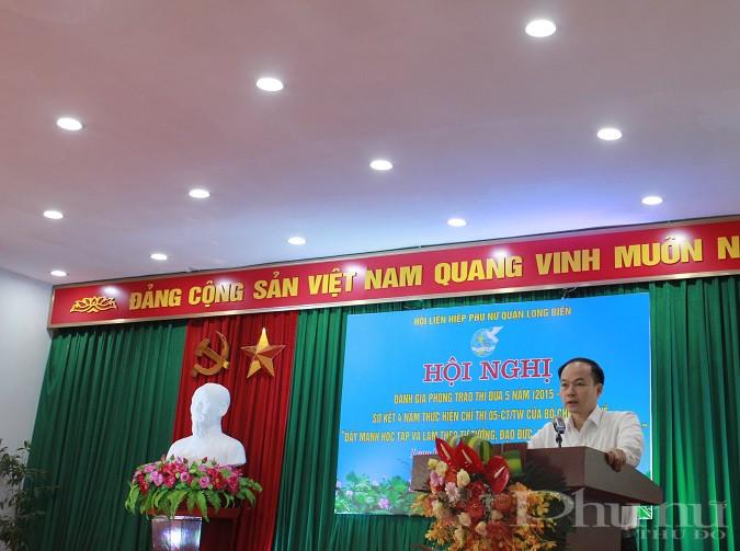 Đồng chí  Đường Hoài Nam - Phó Bí thư Thường trực Quận ủy Long Biên phát biểu tại hội nghị