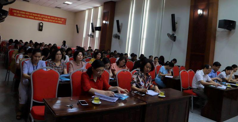 Các đại biểu và đại diện các cơ sở Hội tham dự hội nghị