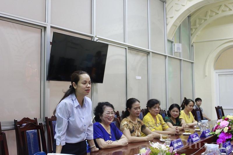 Đồng chí Nguyễn Lan Hương- Chủ tịch Hội LHPN quận Đống Đa phát biểu tại buổi trao tặng