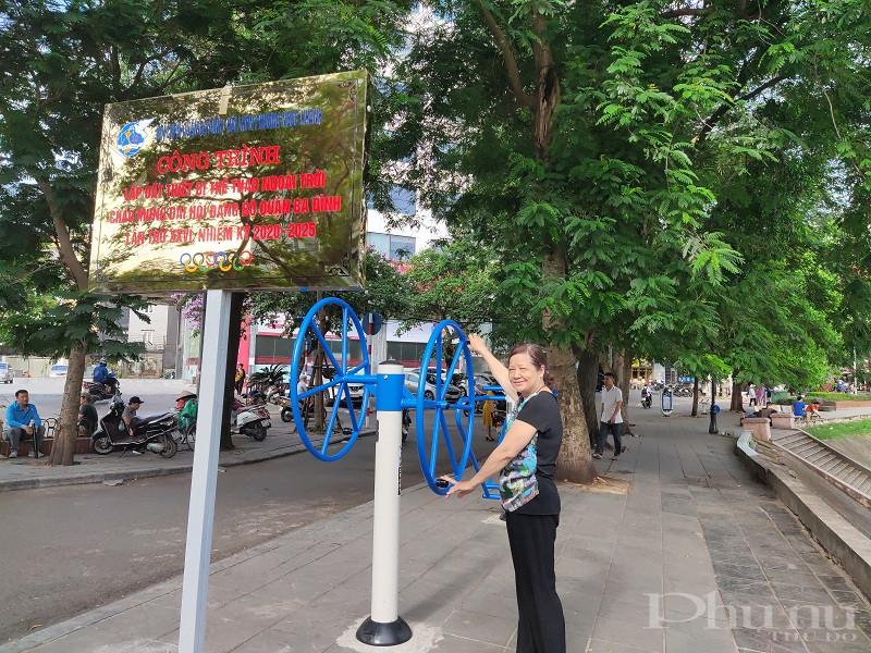 Trong thời gian tới, Hội Phụ nữ quận, phường Ngọc Khánh  sẽ tiếp tục huy động nguồn xã hội hóa để lắp đặt thêm các thiết bị thể thao phù hợp với nhu cầu sử dụng của người dân