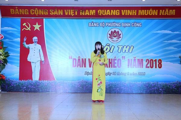 Chị Mai Thị Thanh Hà tham gia cuộc thi Dân vận khéo năm 2018 do phường Định Công tổ chức (ảnh: NVCC)