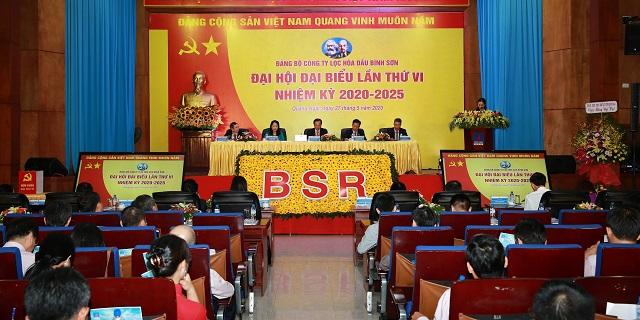 Đại hội tập trung dân chủ, thông qua các nội dung của chương trình Đại hội.