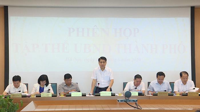 Chủ tịch UBND TP Nguyễn Đức Chung chủ trì cuộc họp.