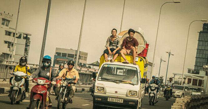 Hình ảnh các cậu bé đường phố được khắc họa trong phim