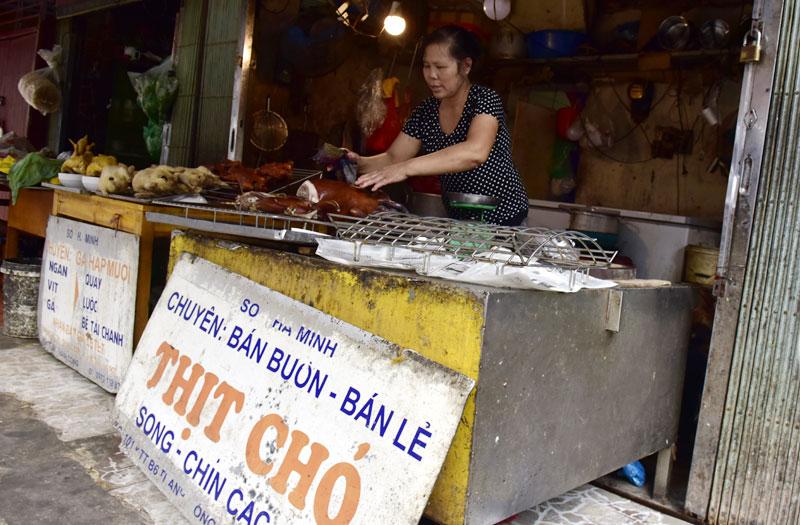 Một cửa hàng thịt chó trên địa bàn Thành Công, quận Ba Đình.