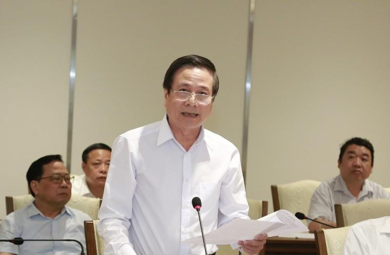 Nghệ sĩ Quốc Chiêm - Chủ tịch Hội Văn học nghệ thuật Hà Nội phát biểu ý kiến tại hội nghị.