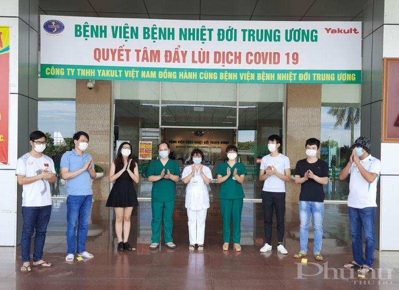 Các bệnh nhân mắc Covid-19 được công bố khỏi bệnh tại BV Bệnh Nhiệt đới TƯ sáng 8/6.