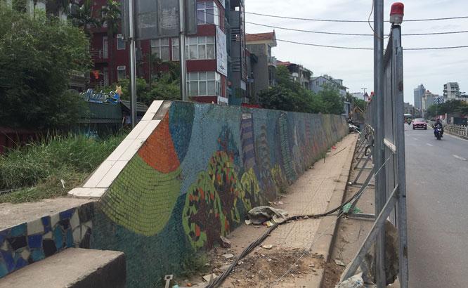 Một đoạn của con đường gốm sứ phải nhường chỗ vì mục tiêu chung của dự án.