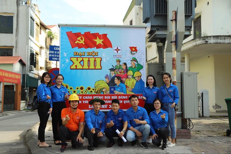 """Đoàn viên, thanh niên huyện Thanh Trì bên các """"Tủ điện nở hoa"""""""