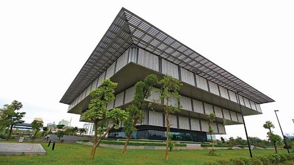 Bảo tàng Hà Nội - Công trình kiến trúc xây dựng nhân 1.000 năm Thăng Long- Hà Nội bị chê là lãng phí công năng sử dụng.
