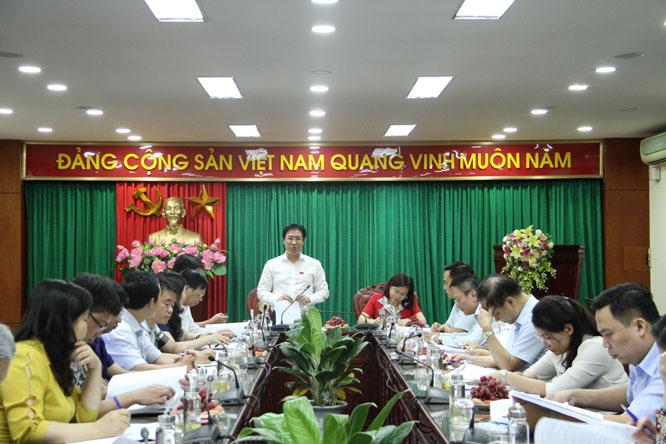 Đoàn giám sát làm việc với UBND quận Hoàng Mai.