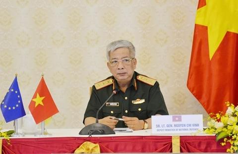 Thượng tướng Nguyễn Chí Vịnh phát biểu tại hội đàm.