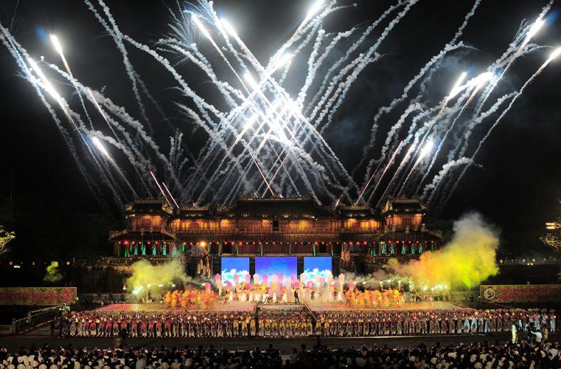 Hình ảnh về Lễ khai mạc một kỳ Festival Huế. Ảnh: Trung tâm Festival Huế
