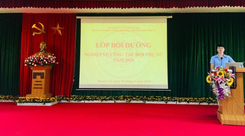Đồng chí Nguyễn Thị Thu Huyền - UVBTV - Trưởng Ban Dân vận Huyện ủy  phát biểu khai mạc