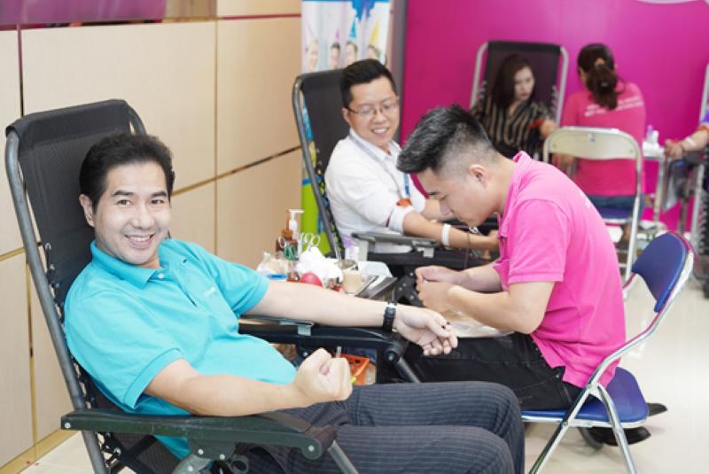 Với mục tiêu chung tay vì cộng đồng, các thành viên Chubb Life Việt Nam rất hào hứng cùng nhau thực hiện nghĩa cử đẹp, tiếp thêm cơ hội giành lấy sự sống của những bệnh nhân nguy kịch trên bàn mổ.