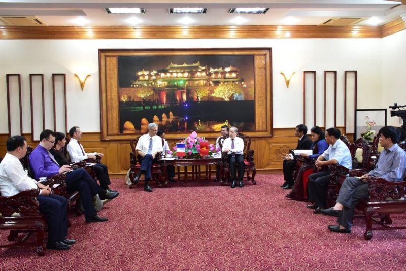 Chủ tịch UBND tỉnh Thừa Thiên-Huế tiếp Đại sứ Pháp