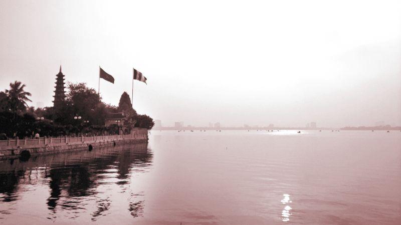 Một góc bình yên Hồ Tây
