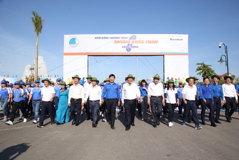 Đại biểu tham gia chạy bộ tại Lễ ra quân Chiến dịch Thanh niên tình nguyện 2020 tại Quảng Bình.